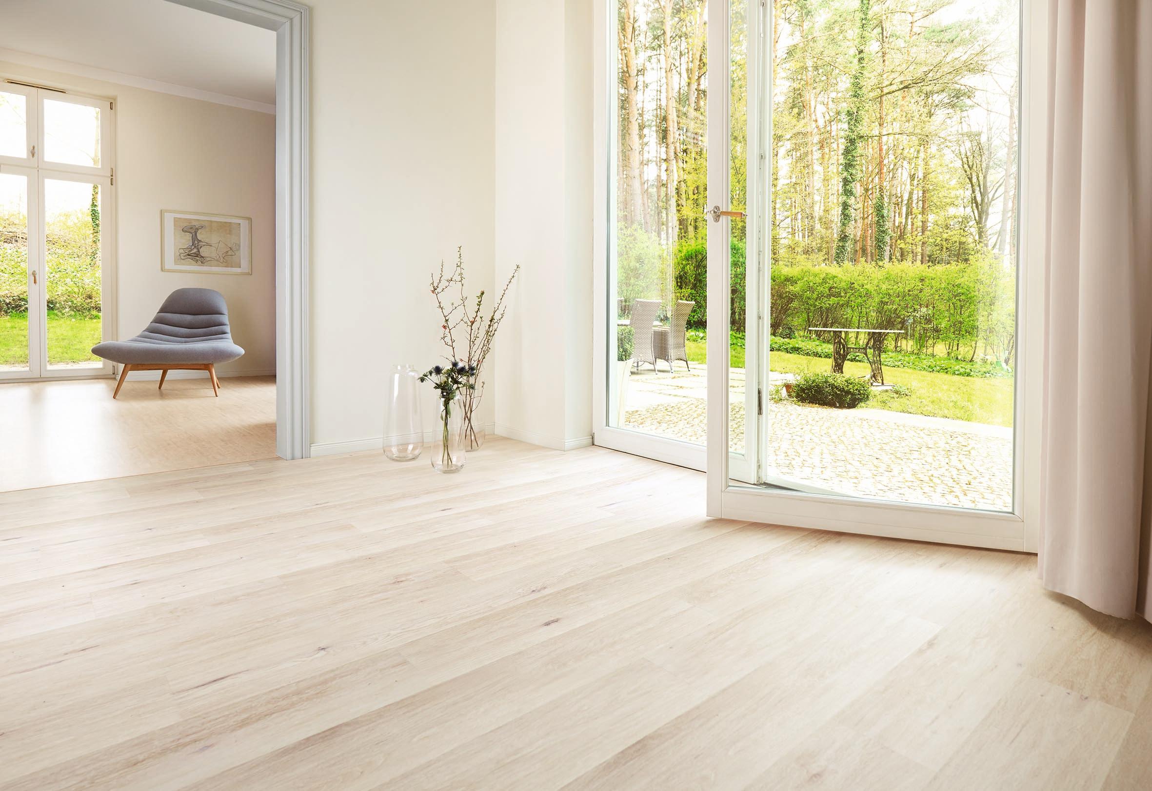 die neue traumwohnung liebe geht durch die fu sohlen pressemitteilung deutscher kork verband e v. Black Bedroom Furniture Sets. Home Design Ideas