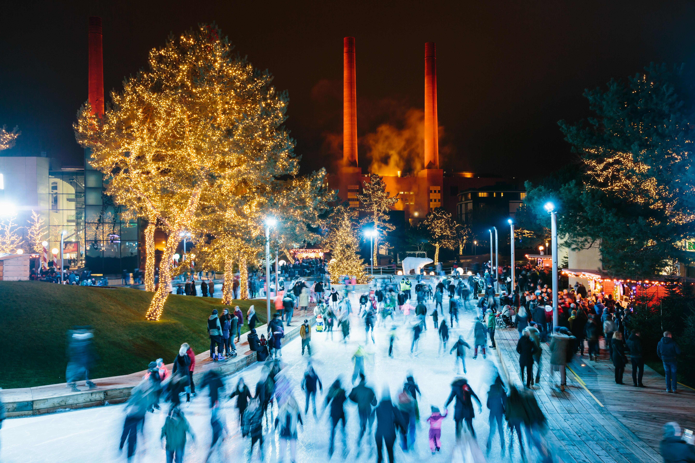 Autostadt Wolfsburg Weihnachtsmarkt.Autostadt Mit Großer Winterinszenierung Traumhafte Winterwelt