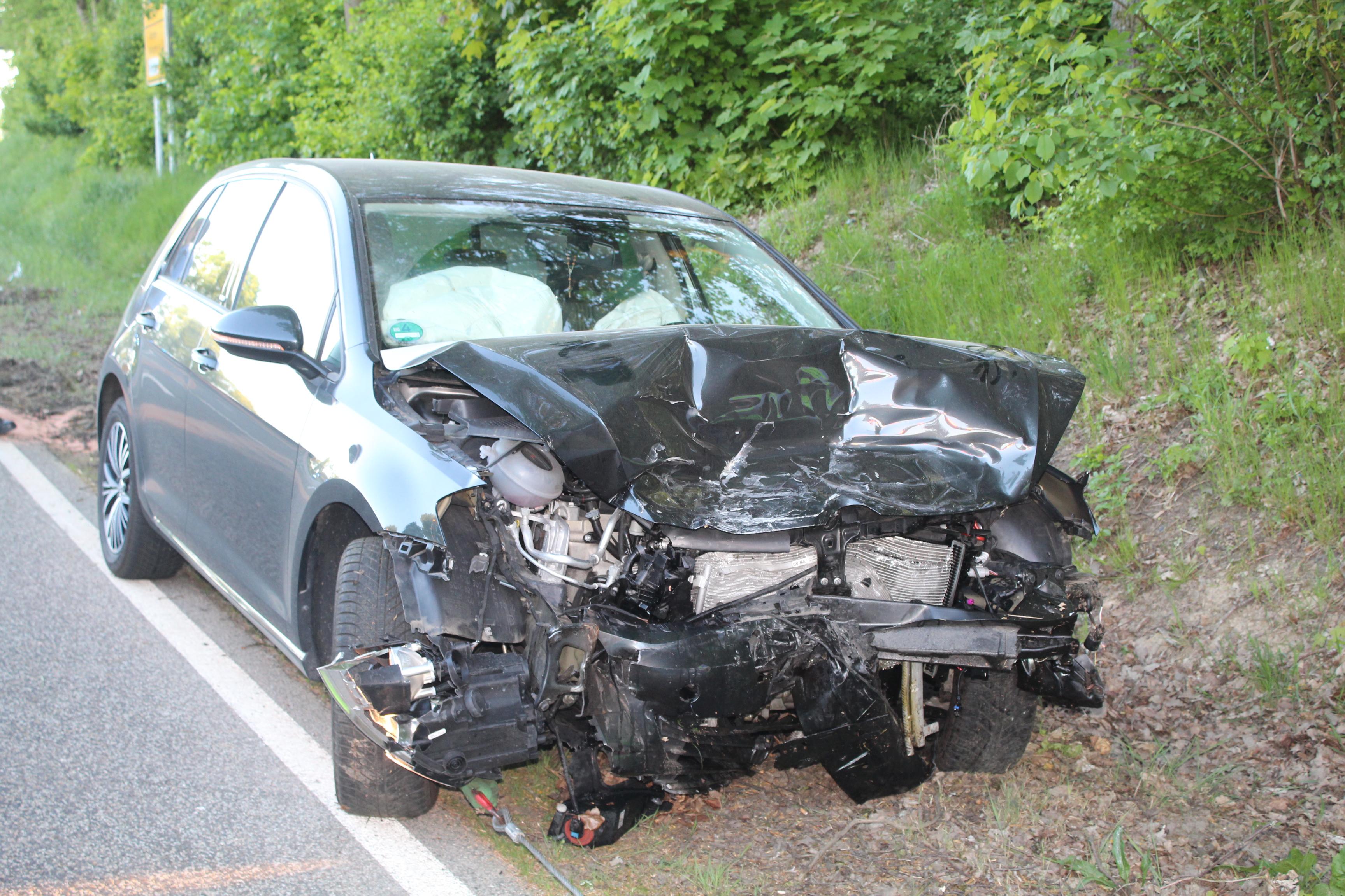▷ POL-PDMY: Verkehrsunfall mit drei Schwerverletzten   Presseportal
