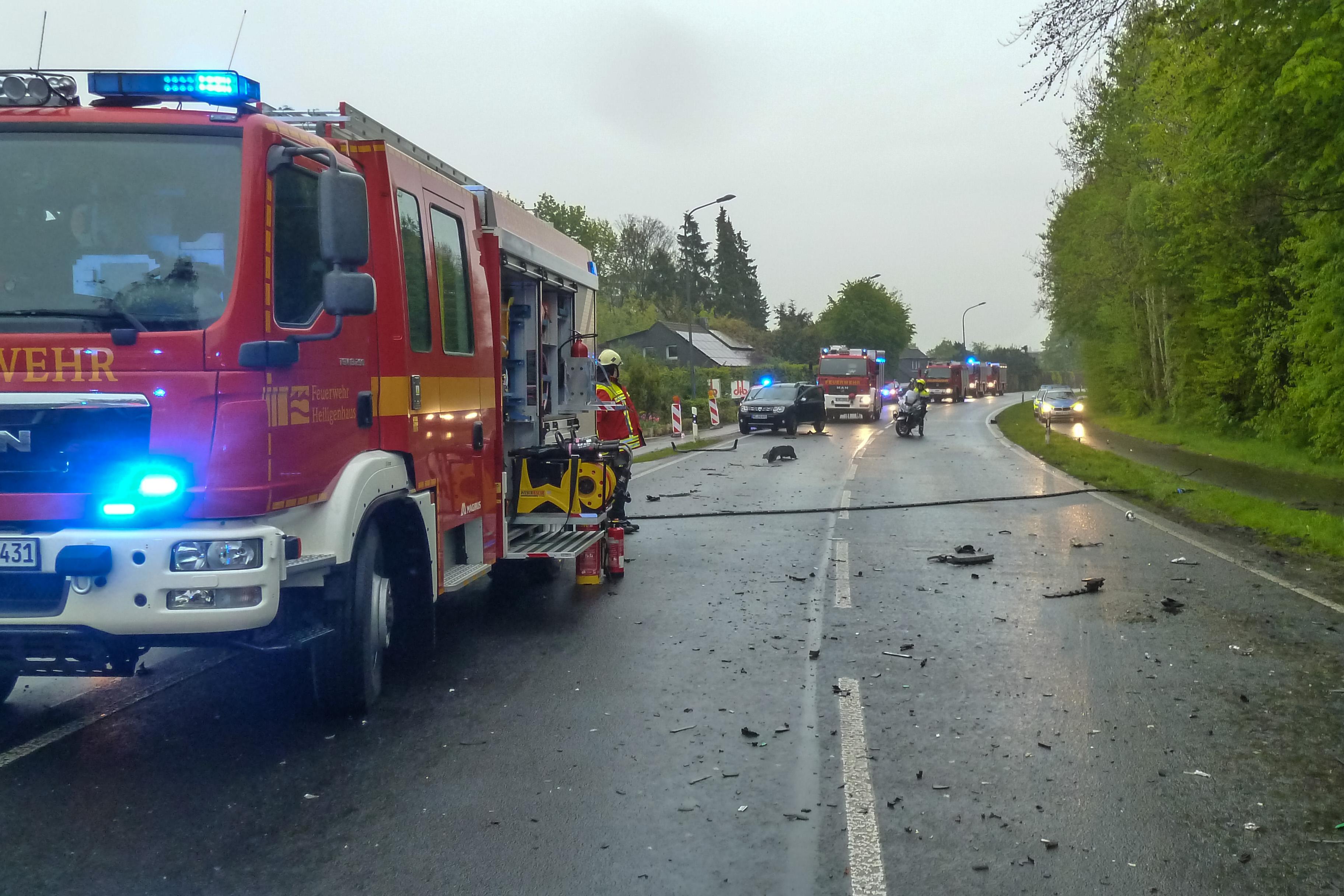 FW-Heiligenhaus: Tödlicher Verkehrsunfall auf der Höseler Straße ...
