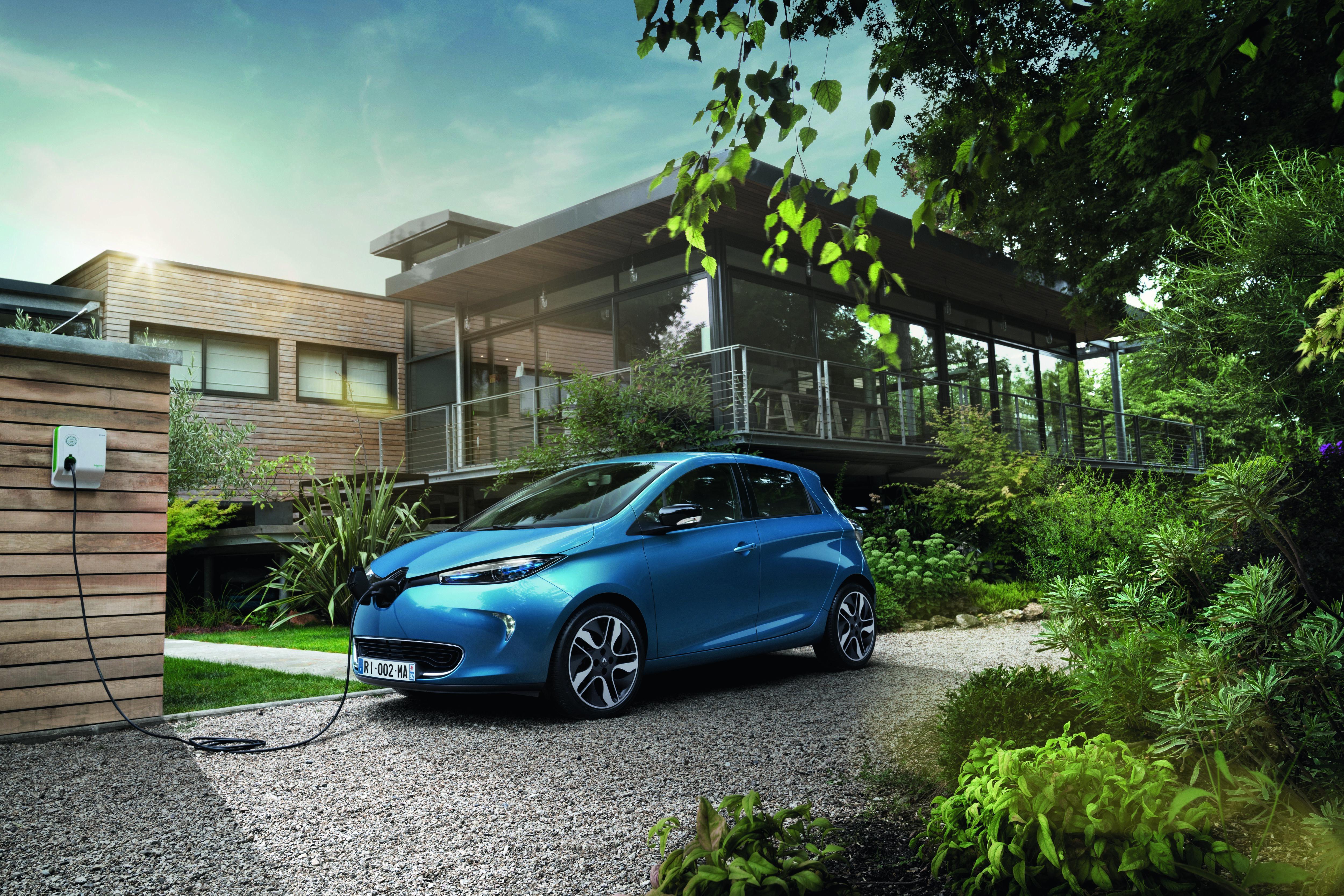 ▷ ADAC SE erweitert E-Leasing-Angebot mit Renault ZOE / Weiteres ...