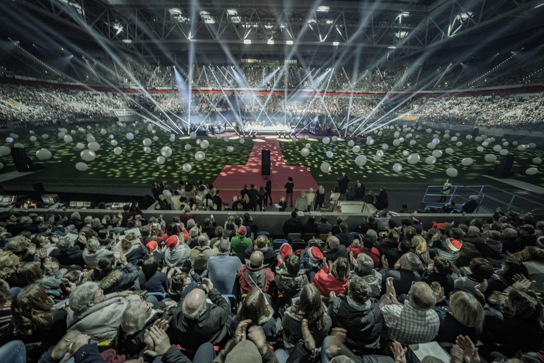 Stars Singen Die Schönsten Weihnachtslieder.Düsseldorf Singt Weihnachtslieder Erfolgreiche Premiere Von Das