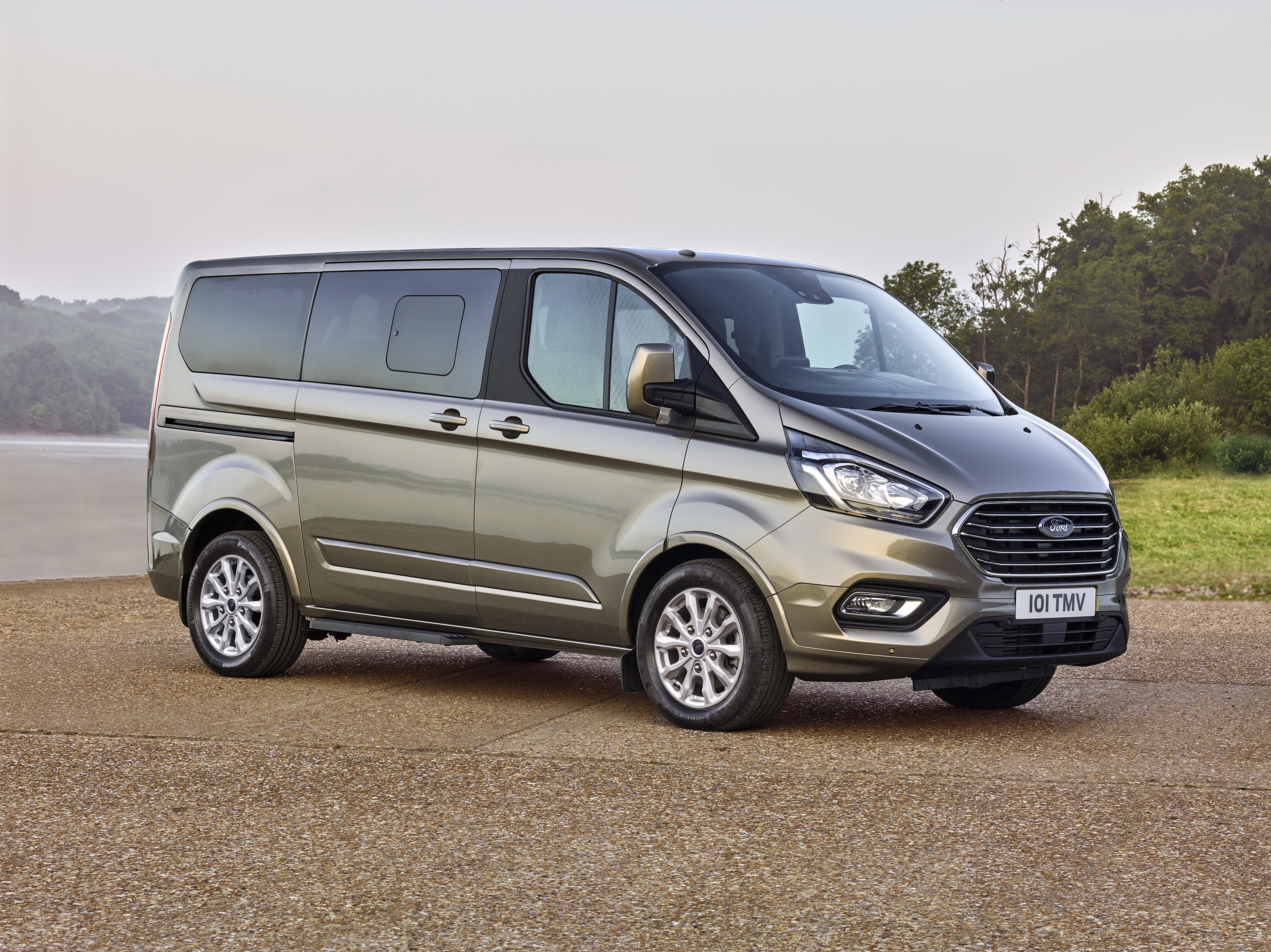 Neuer Ford Tourneo Custom Der Ideale Personentransporter Fur Business Und Freizeit