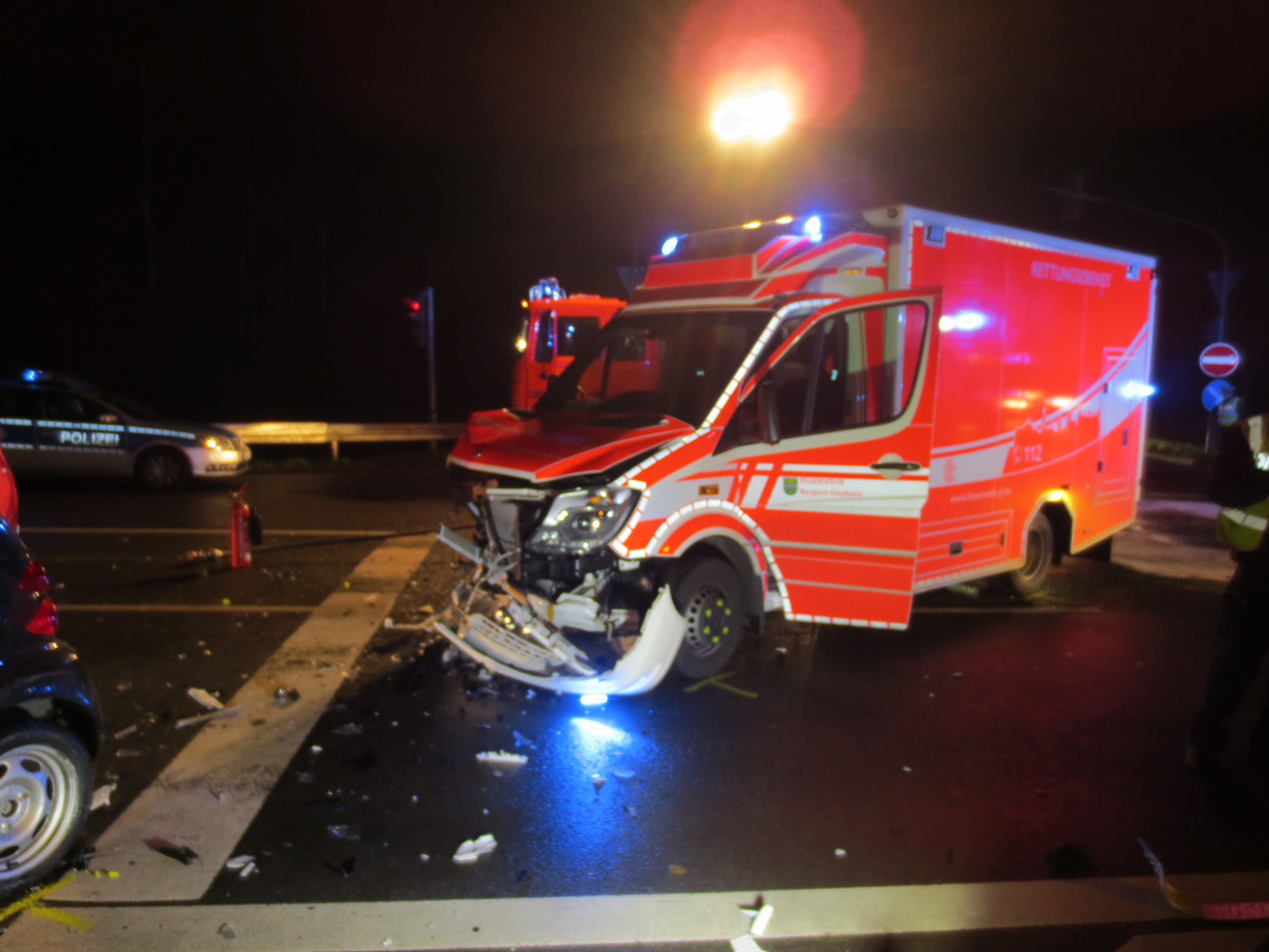FW-GL: Schwerer Verkehrsunfall unter Beteiligung eines ...