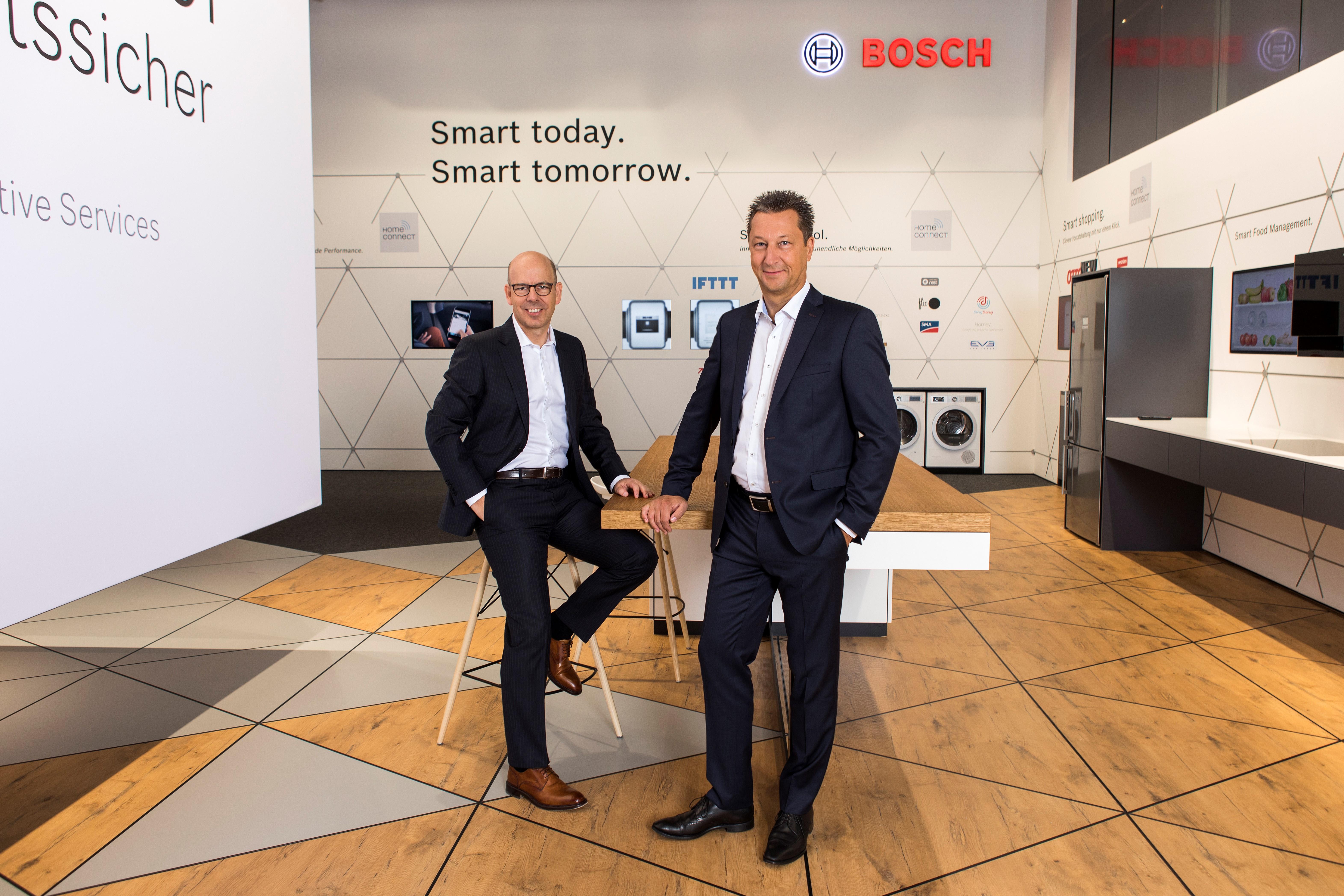 Bosch Vario Style Kühlschrank : Kühlschrank mit superkühlen von bosch youtube