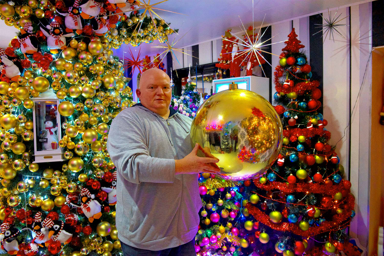 Weihnachtsbaum Fun.Weihnachts Deko Extrem Ehepaar Aus Rinteln Schafft