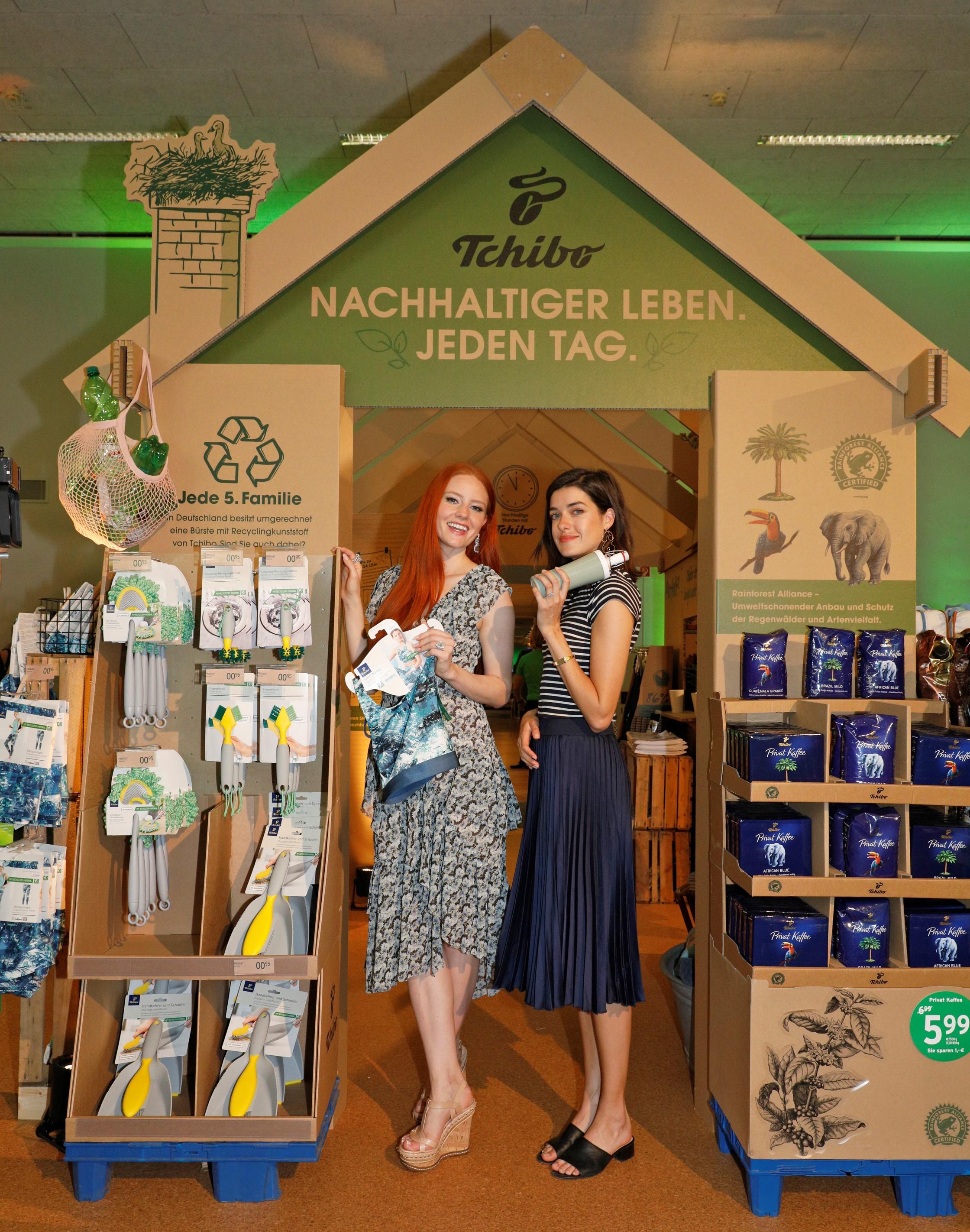 """14a30fe04da79 """"Nachhaltiger Leben. Jeden Tag."""" / Tchibo startet erste große  Nachhaltigkeitskampagne"""