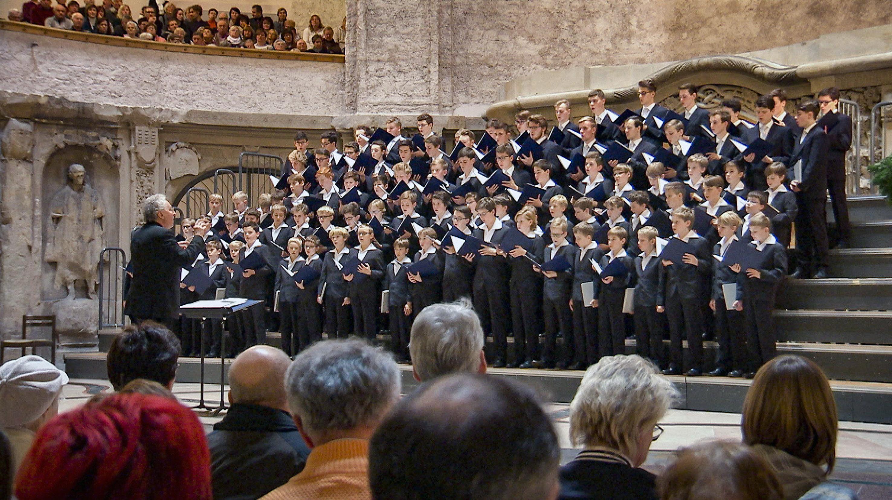Weihnachten Bei Uns Der Dresdner Kreuzchor Auf Abwegen
