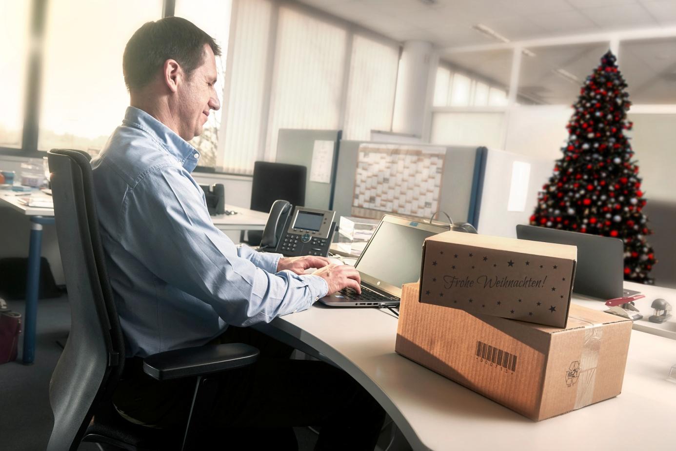 ▷ Goodbye Einkaufsstress: Weihnachtsgeschenke entspannt im Büro ...