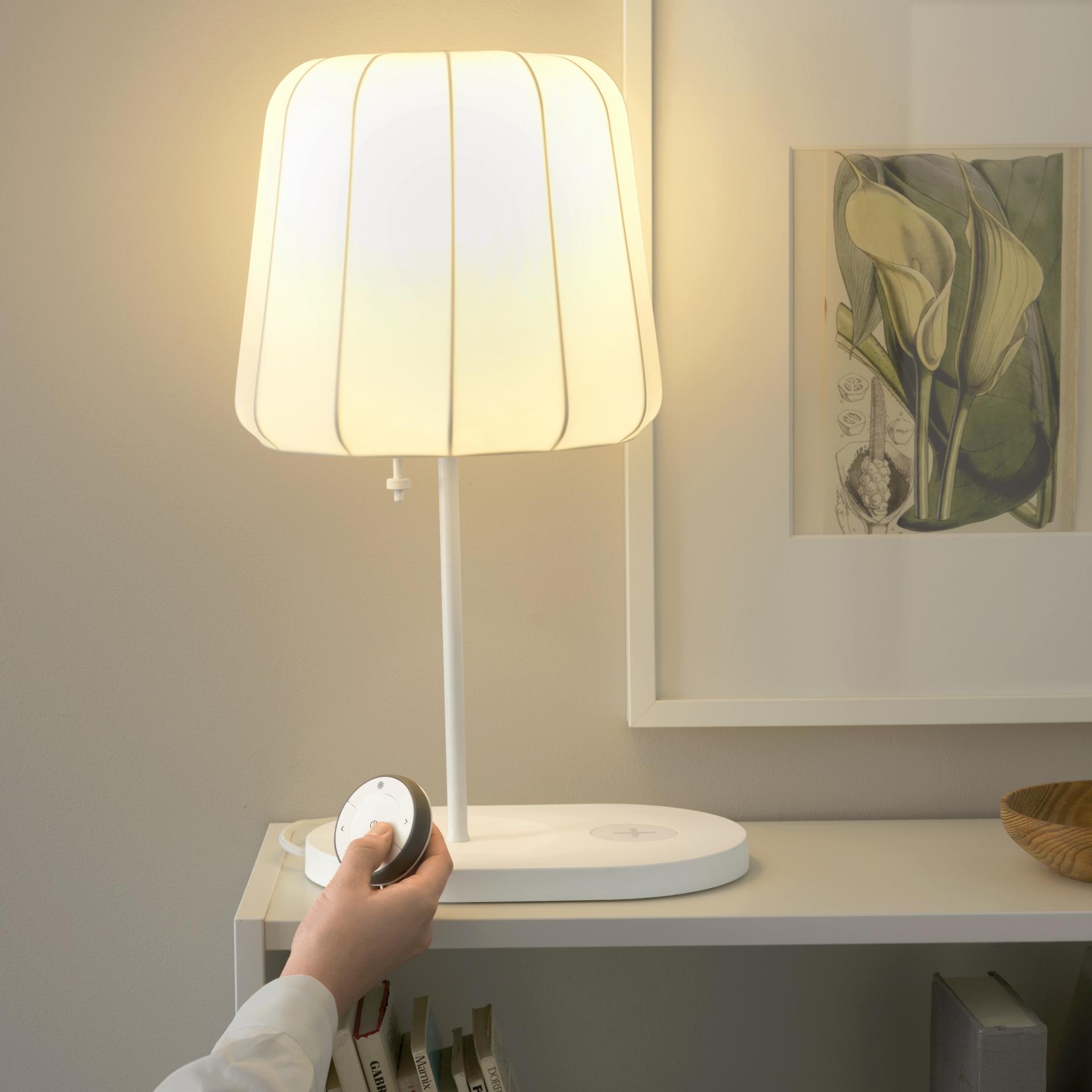 neue smarte beleuchtung ikea macht den n chsten schritt hin zum cleveren zuhause smart home. Black Bedroom Furniture Sets. Home Design Ideas