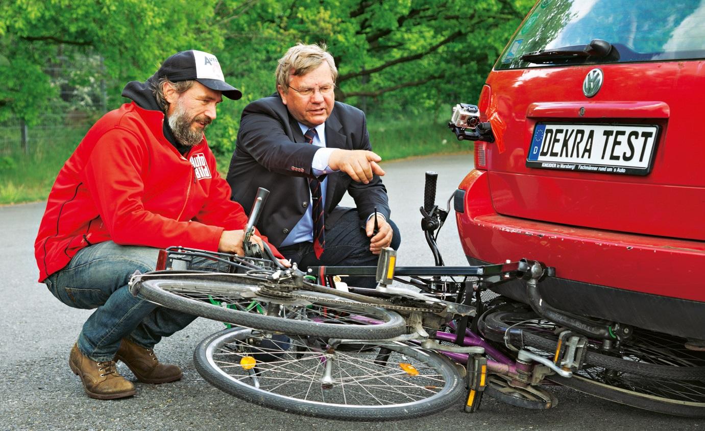 auto bild test zwei von acht fahrradtr gern mit starken. Black Bedroom Furniture Sets. Home Design Ideas