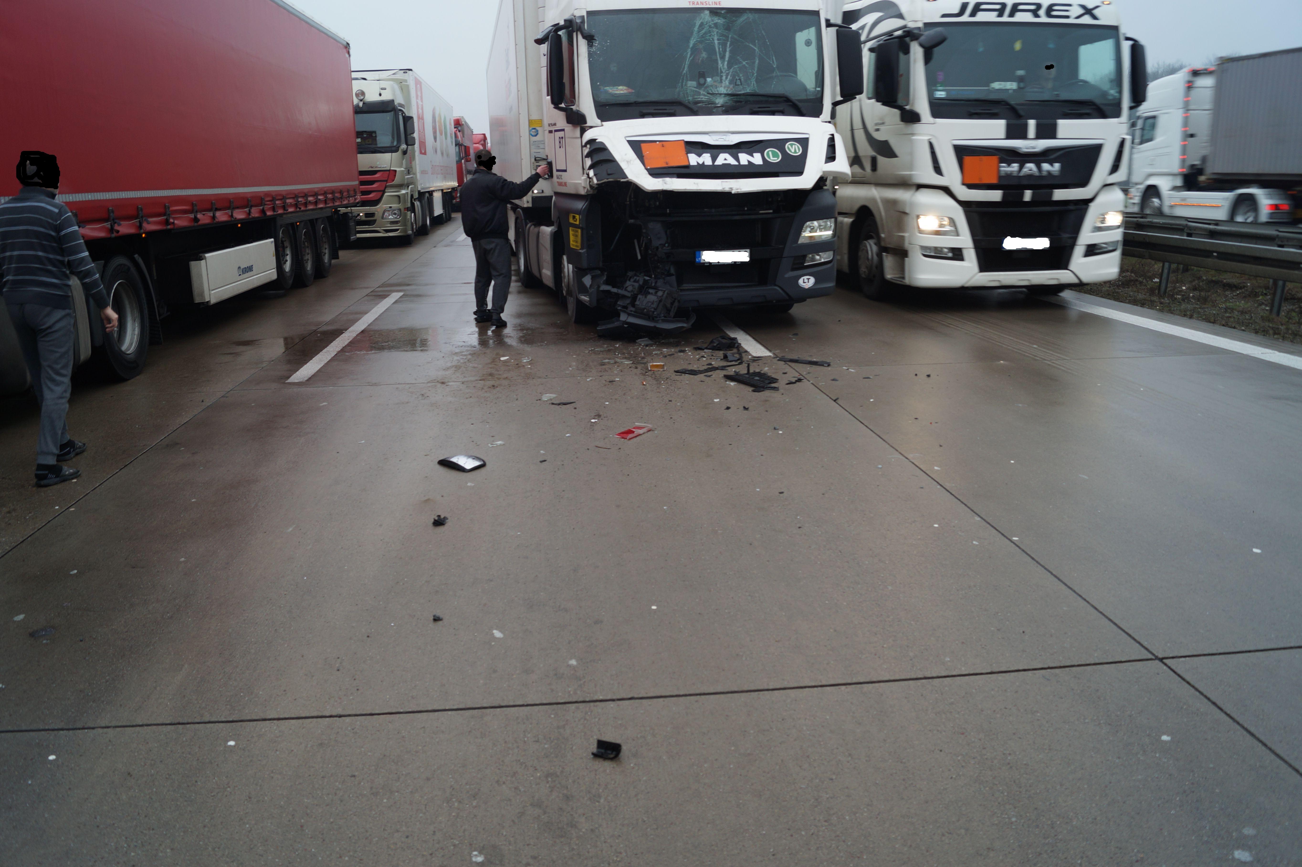 Großartig Download Unfall Fotos - Schaltplan Serie Circuit ...