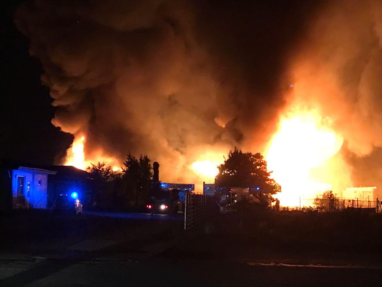 Sägewerk Düsseldorf pol hro brand beim ehemaligen sägewerk pressemitteilung