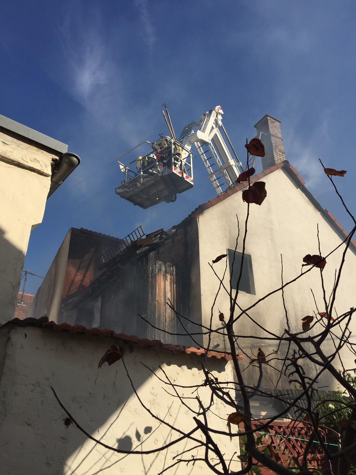 Pol Pdwo Fahrrad Akku Löst Wohnungsbrand Aus Presseportal