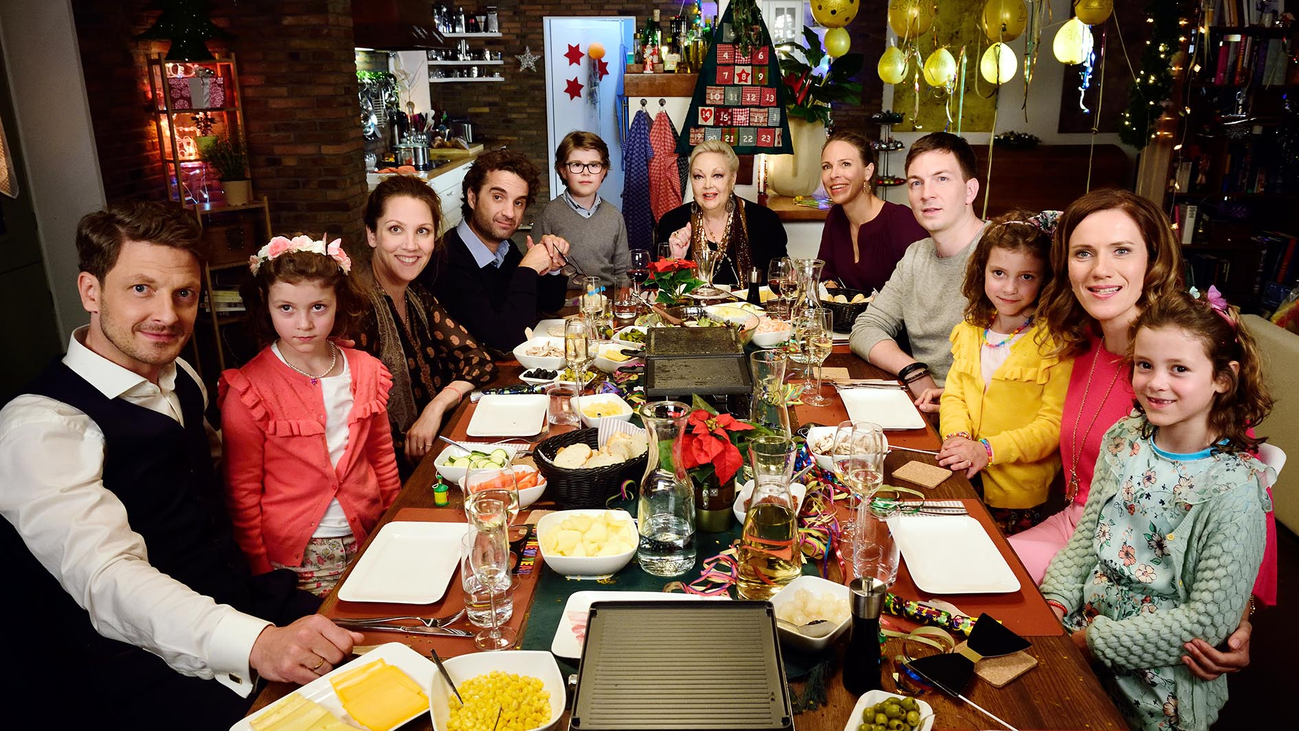 Ndr Weihnachtsbaum.Ndr Dreht Silvester Komödie Mit Anneke Kim Sarnau Und Oliver Wnuk
