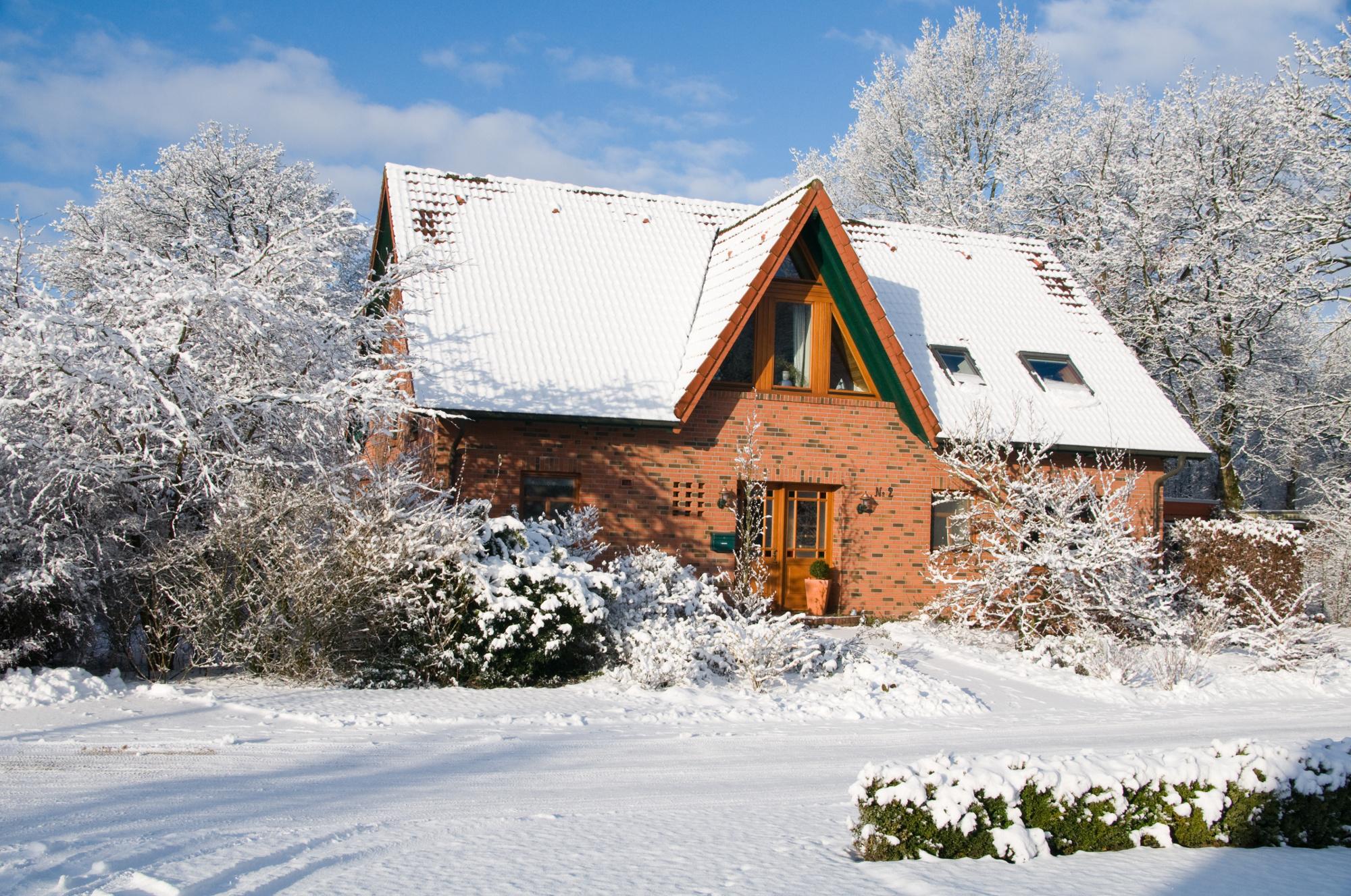 ▷ Sicher durch die kalte Jahreszeit - So kommt das Eigenheim gut ...