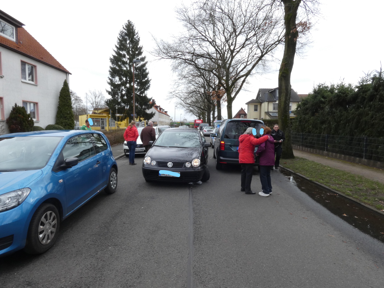 Pol Ce Celle Vorrang Missachtet Autos Kaputt Presseportal