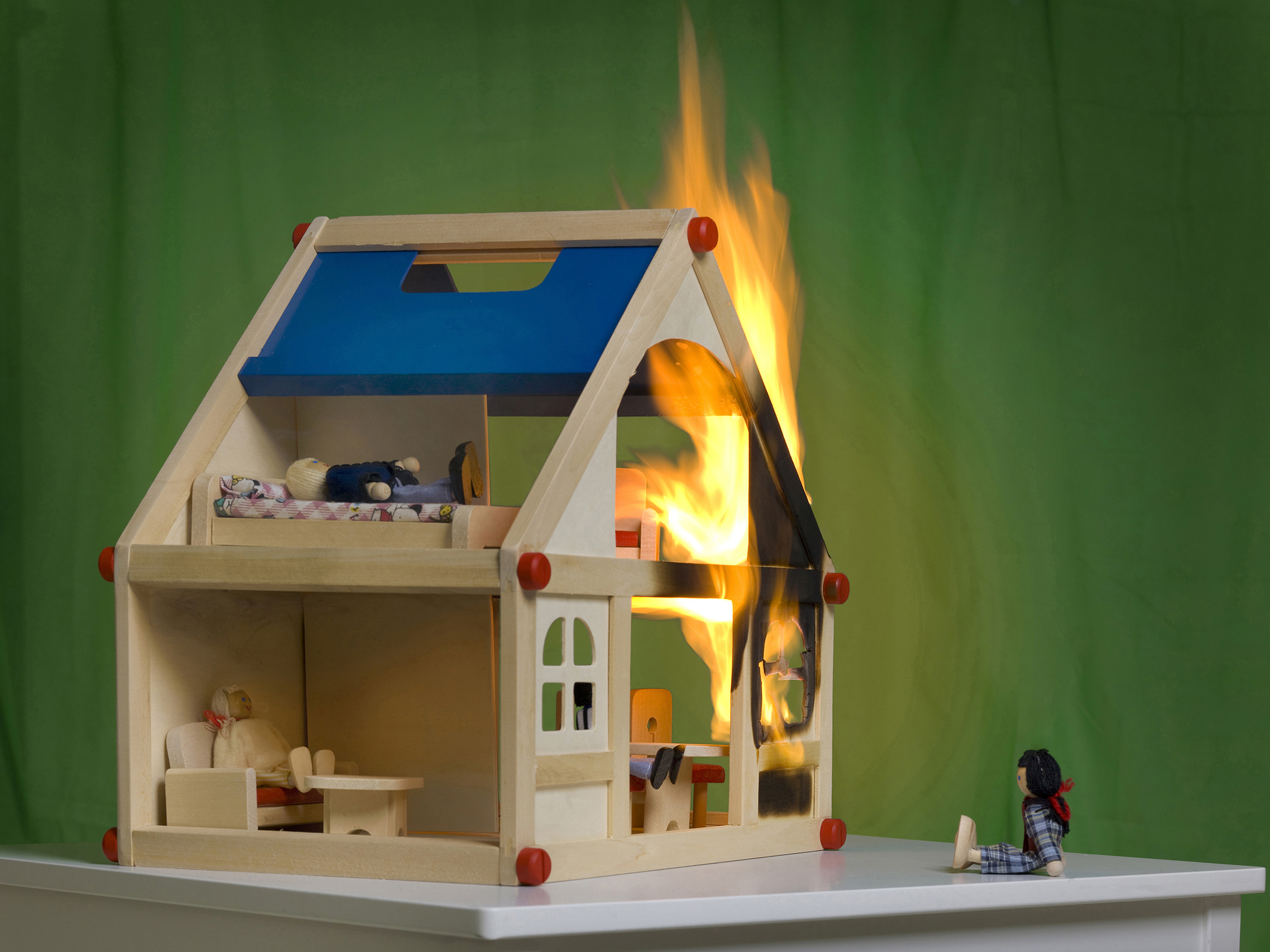 rauchmelderpflicht gilt auch f r selbstgenutzte immobilien. Black Bedroom Furniture Sets. Home Design Ideas