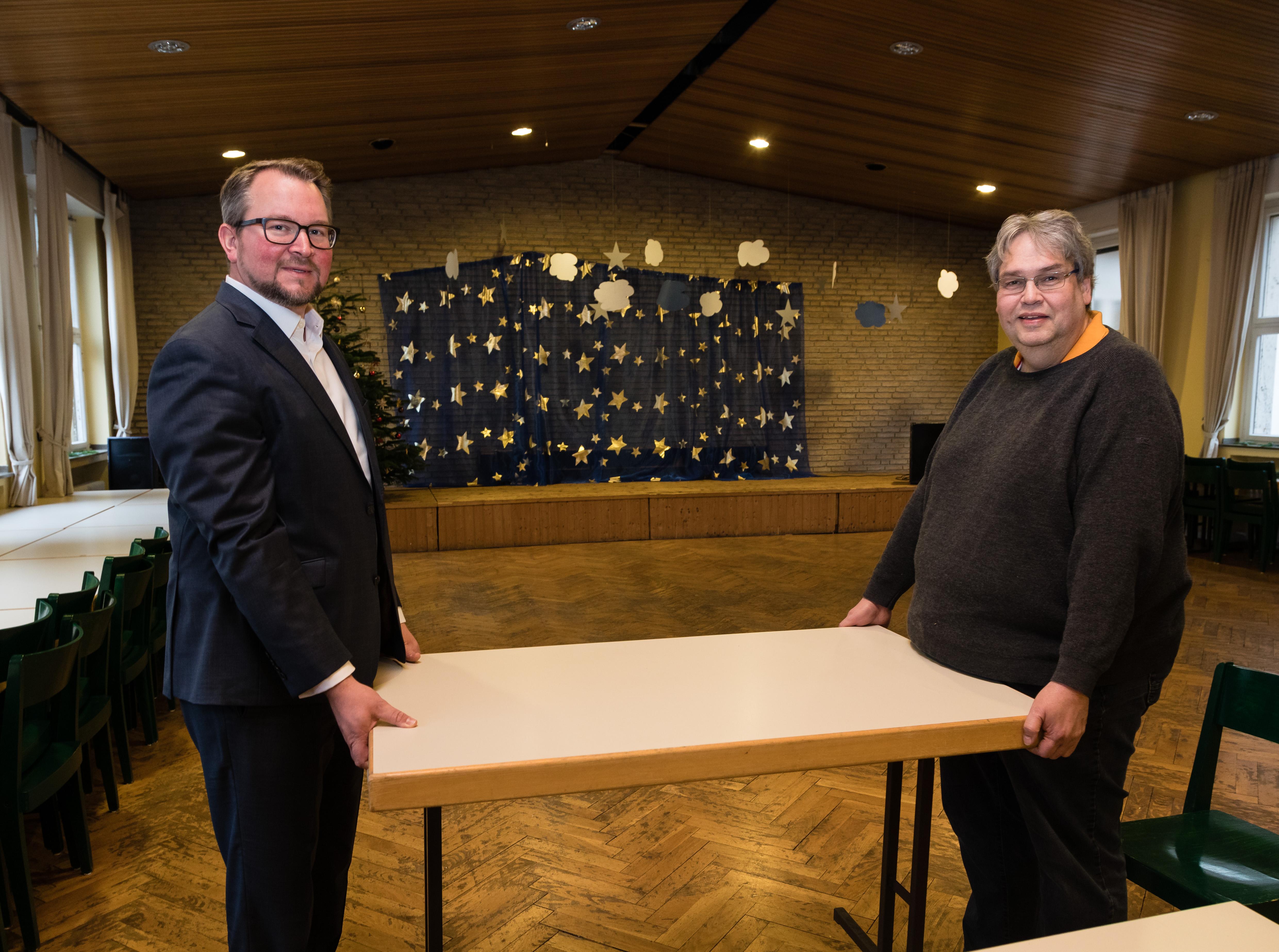 Eetbank En Tafel : ▷ targobank unterstützt duisburger tafel nach schwerem brand