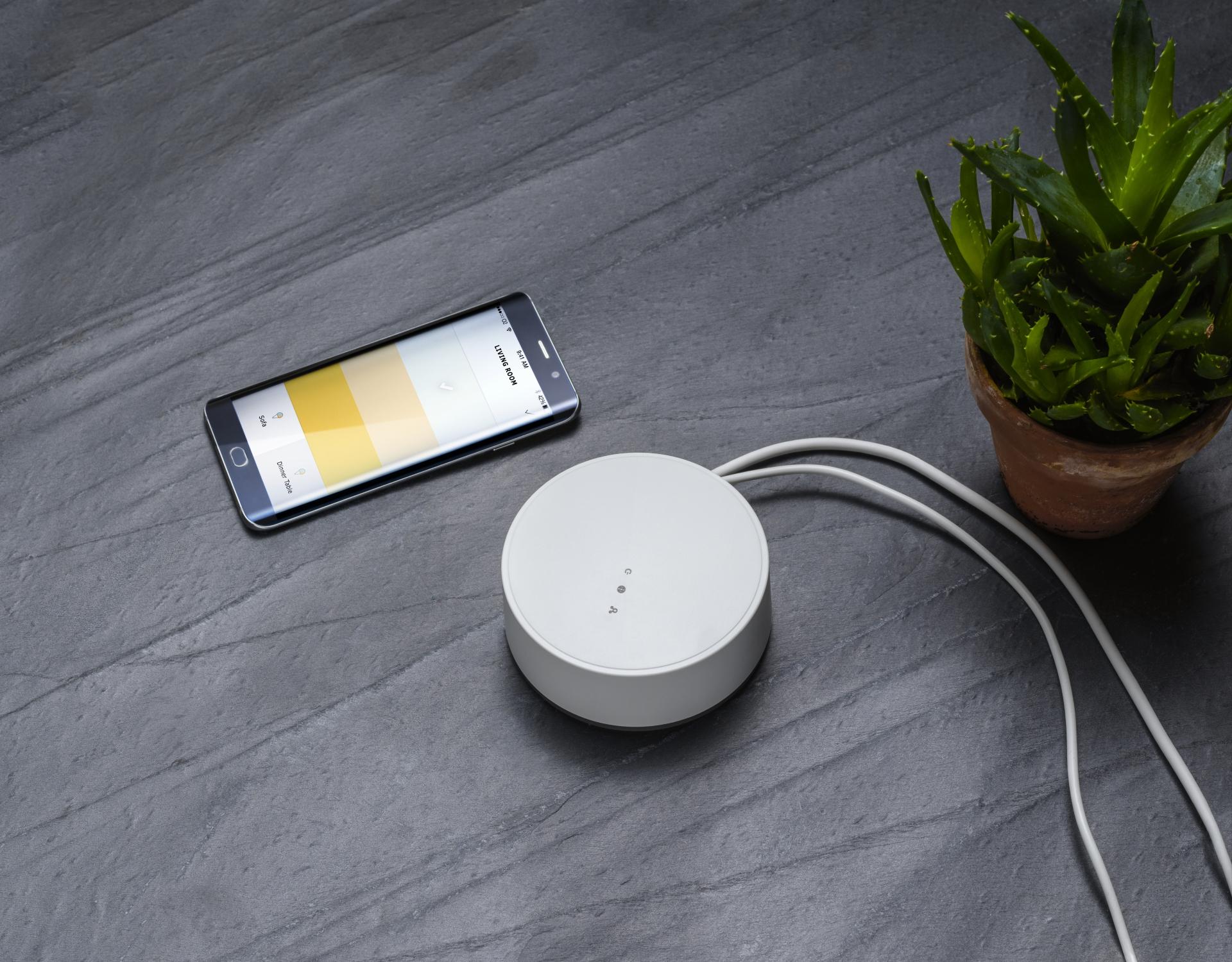 smarte beleuchtung von ikea jetzt mit sprachsteuerung durch ein update der ikea presseportal. Black Bedroom Furniture Sets. Home Design Ideas