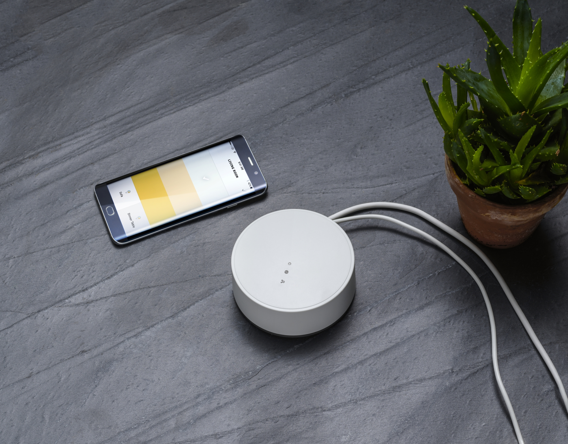 smarte beleuchtung von ikea jetzt mit sprachsteuerung. Black Bedroom Furniture Sets. Home Design Ideas