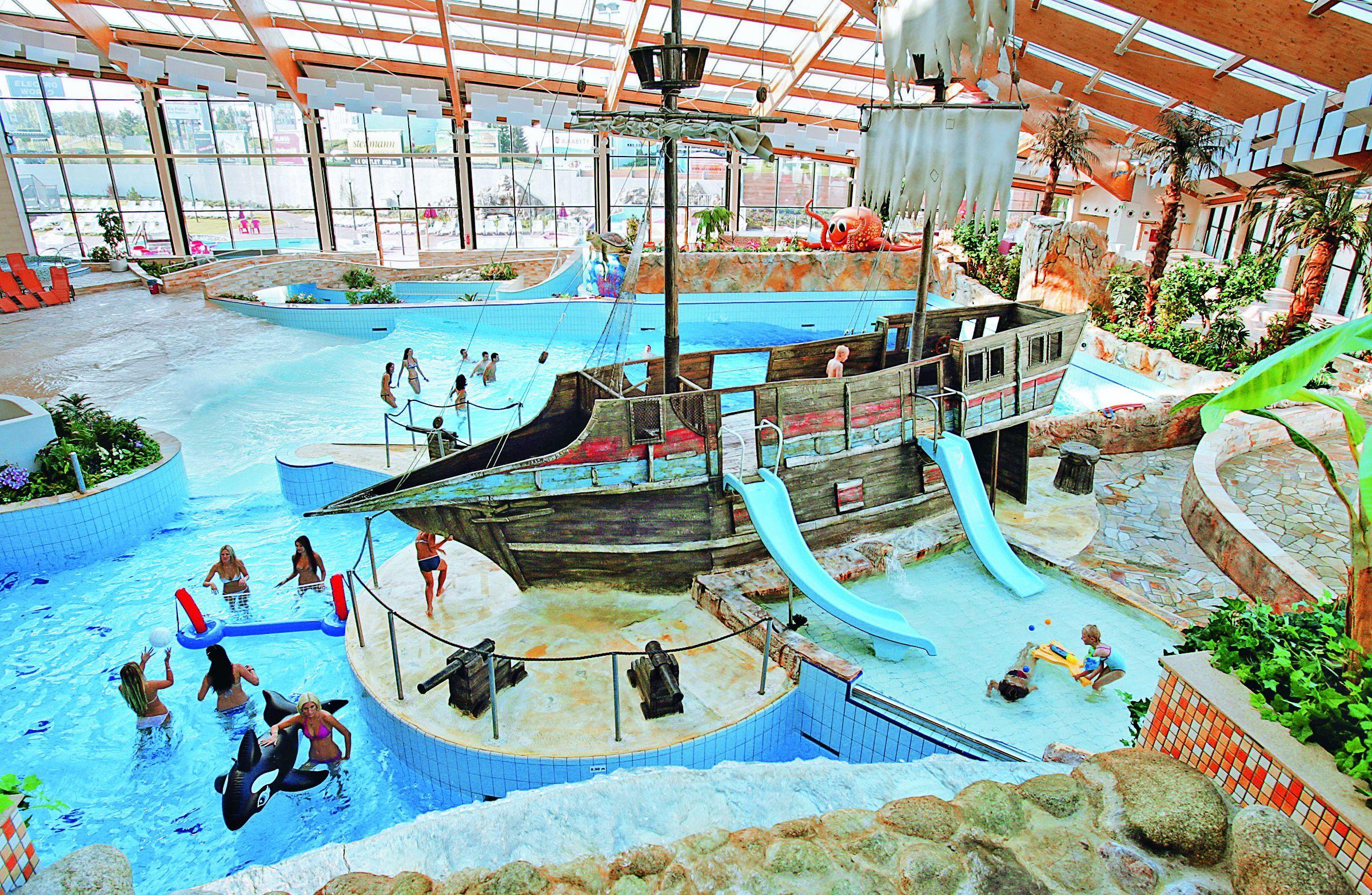 Фото аквапарка вена фото