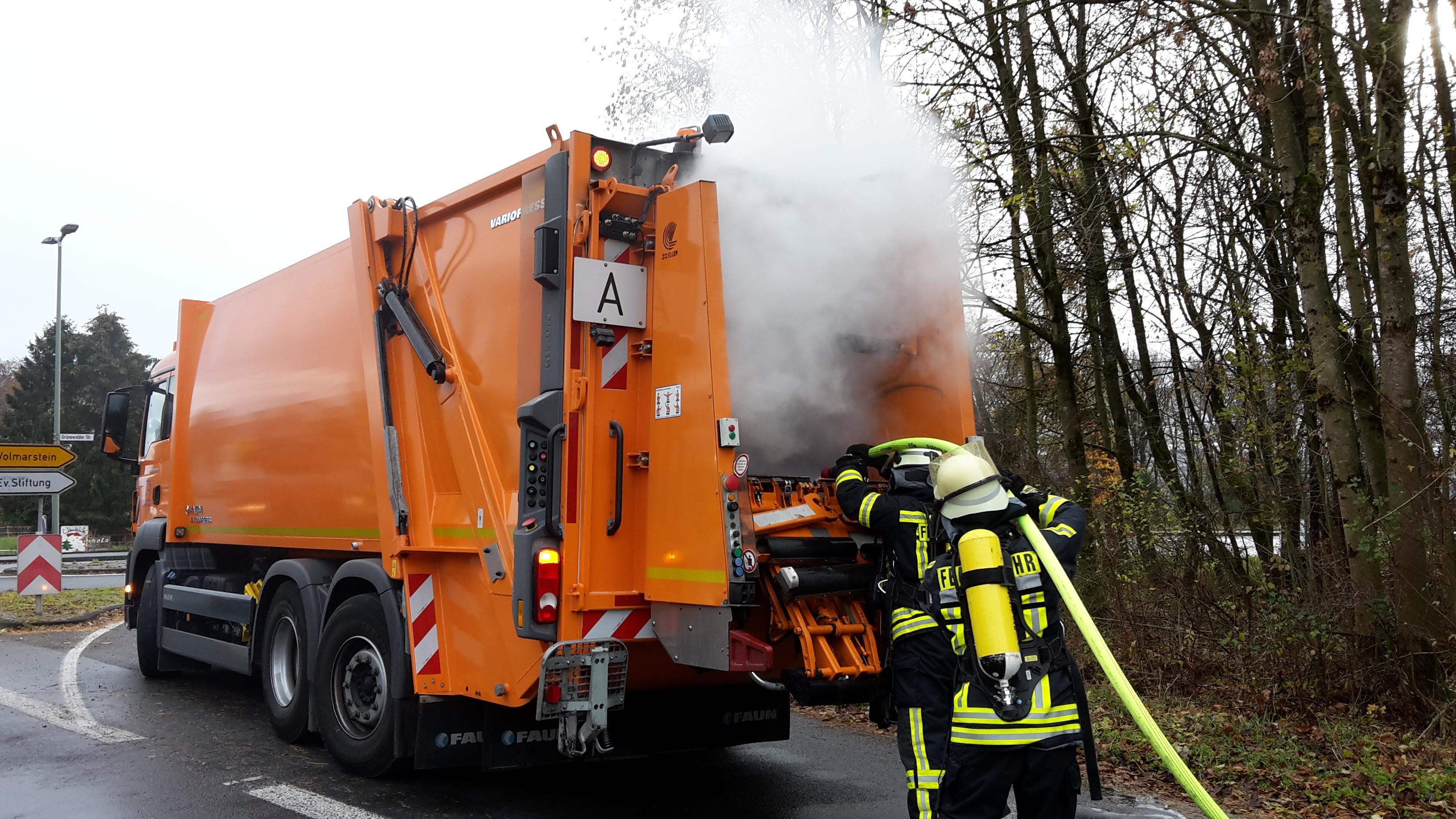 Fw En Wetter Müll Steht In Brand Presseportal