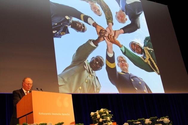 Dankesrede von Hermann Roder für den Kulturpreis Deutsche Sprache_Hintergrund Symbolbild BSprA