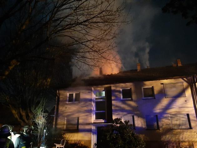 FW-DO: Zwei Brände in leer gezogener Siedlung in Brechten