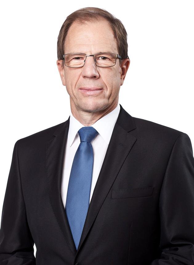 """Infineon-Chef Reinhard Ploss verstärkt ab 2017 das VDE-Präsidium (Bildquelle: Infineon Technologies AG) / Weiterer Text über ots und www.presseportal.de/nr/9158 / Die Verwendung dieses Bildes ist für redaktionelle Zwecke honorarfrei. Veröffentlichung bitte unter Quellenangabe: """"obs/VDE Verb. der Elektrotechnik Elektronik/Infineon Technologies AG"""""""