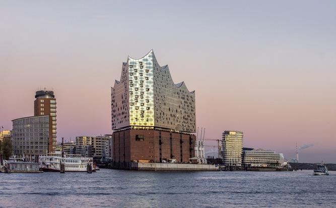 Weltpolitik zu Gast in der Elbphilharmonie Hamburg: G20-Staats- und Regierungschefs treffen sich im Rahmen des Gipfels in Hamburgs neuem Wahrzeichen