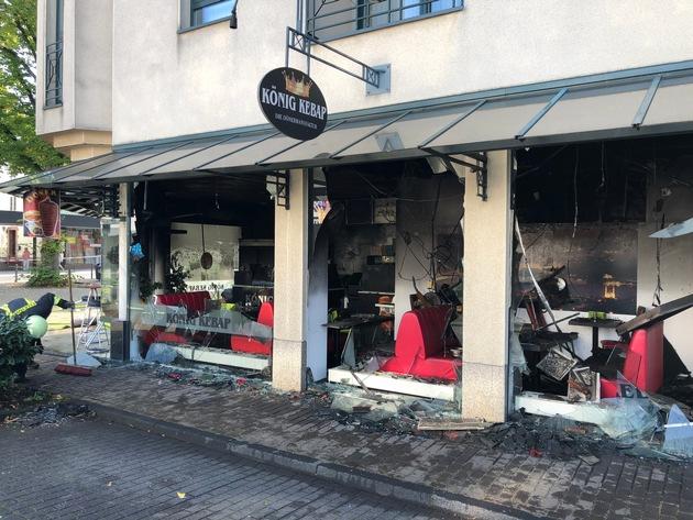 Feuer in einem Imbiss in Bergisch Gladbach
