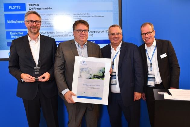 Im Rahmen der diesjährigen IAA wurde das Gesundheitsunternehmen MSD bereits zum zweiten Mal mit dem Green Fleet Award des TÜV SÜD ausgezeichnet. V.l.n.r. Jens Edler, Wolfgang Stenger (beide MSD), Arnd Martin und Dr. Jörg Löffler (beide Fleet Logistics TÜV SÜD) / Copyright MSD, Abdruck honorarfrei / Weiterer Text über ots und www.presseportal.de/nr/6603