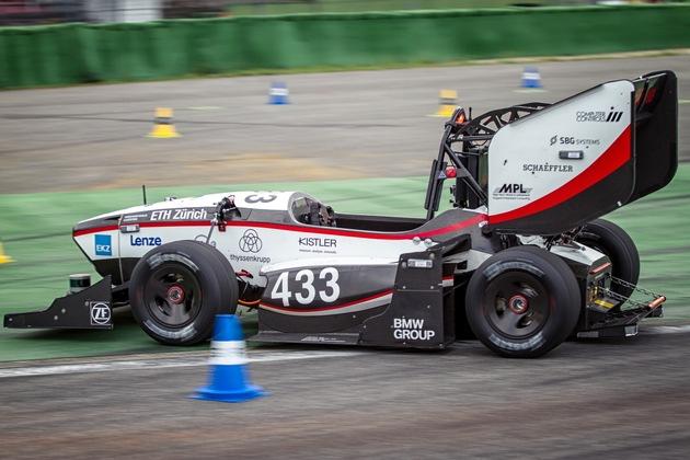 Automes Fahren bei der Formula Student Germany 2017 (Bild: FSG/ Elena Schulz)