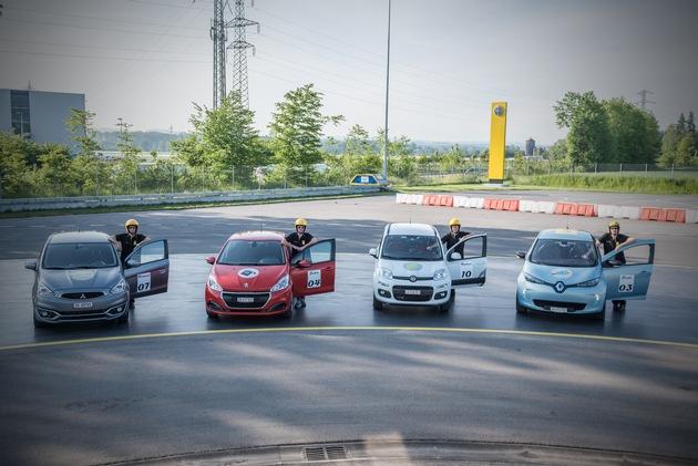 Piccole, ma raffinate: il TCS verifica il bilancio CO2 globale delle piccole auto