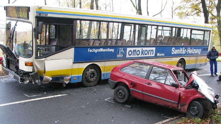 PPSH-ERB: Reichelsheim/Odenwald - Unfall mit Linienbus