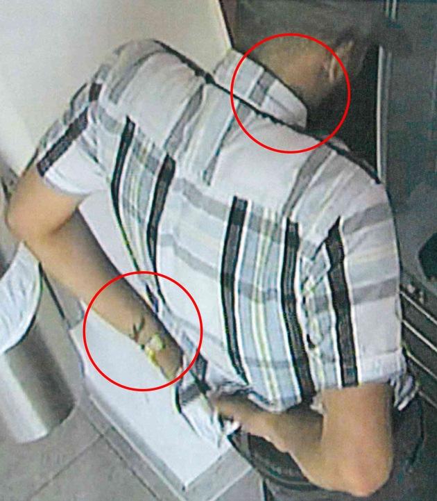 Tatverdächtiger mit Tätowierung am Hals und am Handgelenk