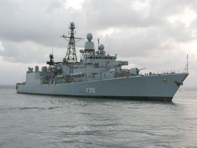 """Archivbild: Fregatte """"Emden"""" in See. Foto: Deutsche Marine."""