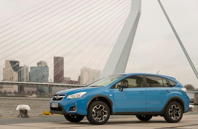 """Der Subaru XV vereint  Funktionalität und Form wie kaum ein anderer - egal, ob im Gelände oder in der Stadt. Weiterer Text über ots und www.presseportal.de/nr/34801 / Die Verwendung dieses Bildes ist für redaktionelle Zwecke honorarfrei. Veröffentlichung bitte unter Quellenangabe: """"obs/Subaru"""""""