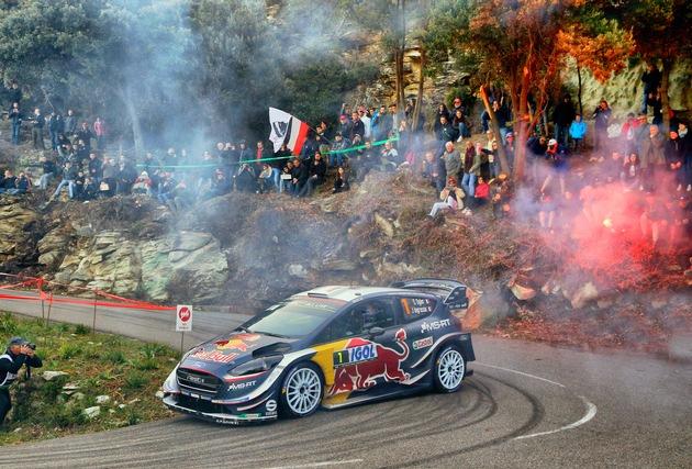 Titelverteidiger Sébastien Ogier und Beifahrer Julien Ingrassia  liefern auf den Asphaltprüfungen der WM-Rallye Frankreich eine  überlegene Vorstellung ab