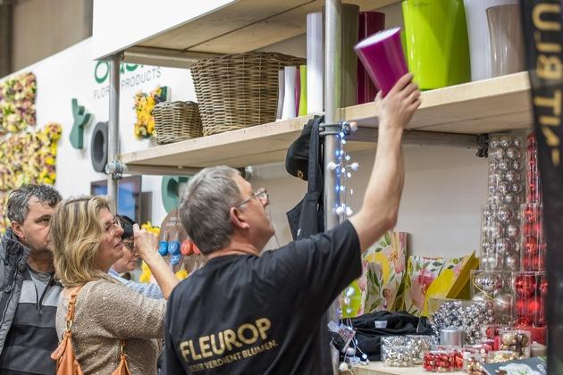 Die Floristshop-Präsentation am Fleurop-Messestand bietet dem Besucher die Möglichkeit alle Artikel live anzuschauen. ©Peter Johann Kierzkowski/Fleurop AG