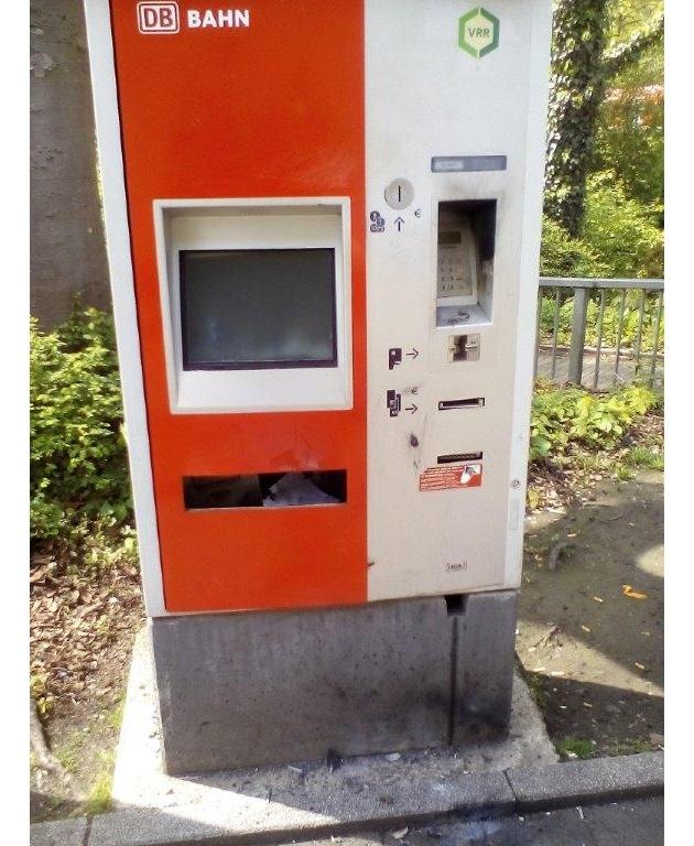 Gesprengter Fahrausweisautomat in Königsborn Foto: Bundespolizei