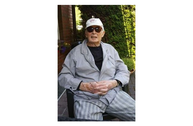 Bild des vermissten Herrn Habben mit der auffälligen Sommerhose, die er auch bei seinem Verschwinden trug.