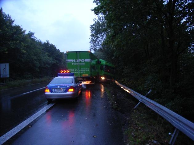 POL-HI: LKW-Bergung nach Verkehrsunfall macht Sperrung der A39 erforderlich