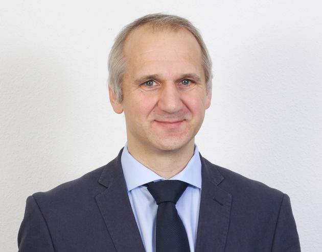 Studienkreis unterstützt Flüchtlingskinder/Max Kade, Pädagogischer Leiter des Studienkreises. Der Studienkreis - ein ...