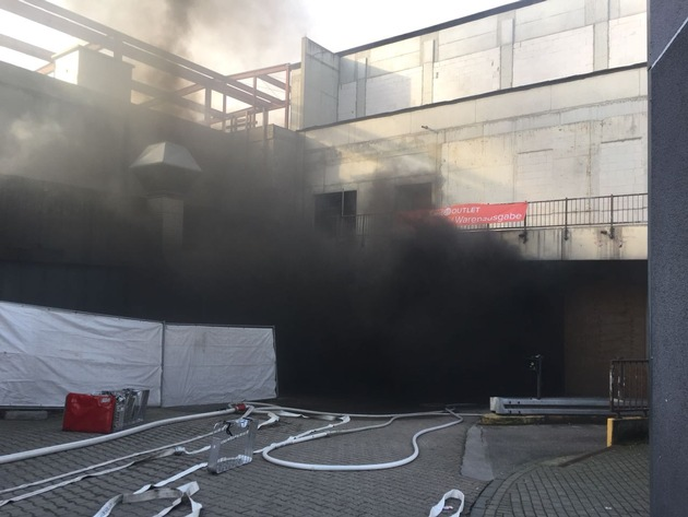 Brand in der Bottroper Innenstadt (2)