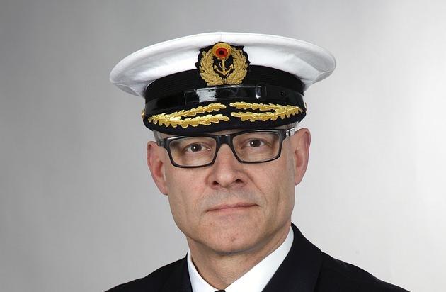 Kieler Admiral Geht Nach Bonn Flottillenadmiral Kaack übergibt