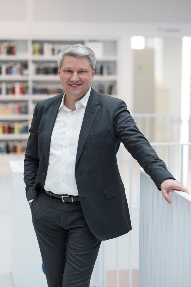 Prof. Dr. Ronny Fürst, CEO und Kanzler der AKAD University. Bild: AKAD University