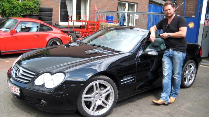 """Det Müller bekommt einen Suchauftrag aus seiner norddeutschen Heimat. GRIP-Zuschauer Ronald sucht ein dickes Cabrio, stark motorisiert und mit viel Luxus. Wird Det ein passendes Gefährt für Ronald finden? Weiterer Text über OTS und www.presseportal.de/pm/6605 / Die Verwendung dieses Bildes ist für redaktionelle Zwecke honorarfrei. Veröffentlichung bitte unter Quellenangabe: """"obs/RTL II"""""""