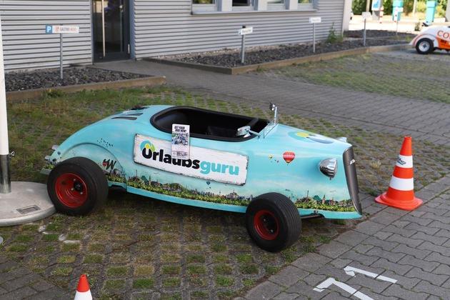 Mit Hotrods konnten Besucher Touren durch Holzwickede drehen (Foto: Julia Rienhoff/ UNIQ)